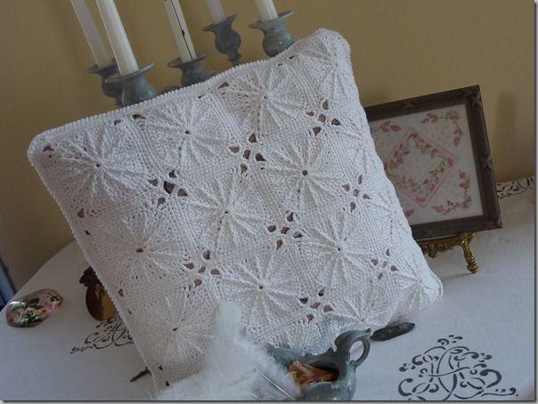 Mon coussin blanc au crochet  BLOG DE CHIFFON CHINEUSE