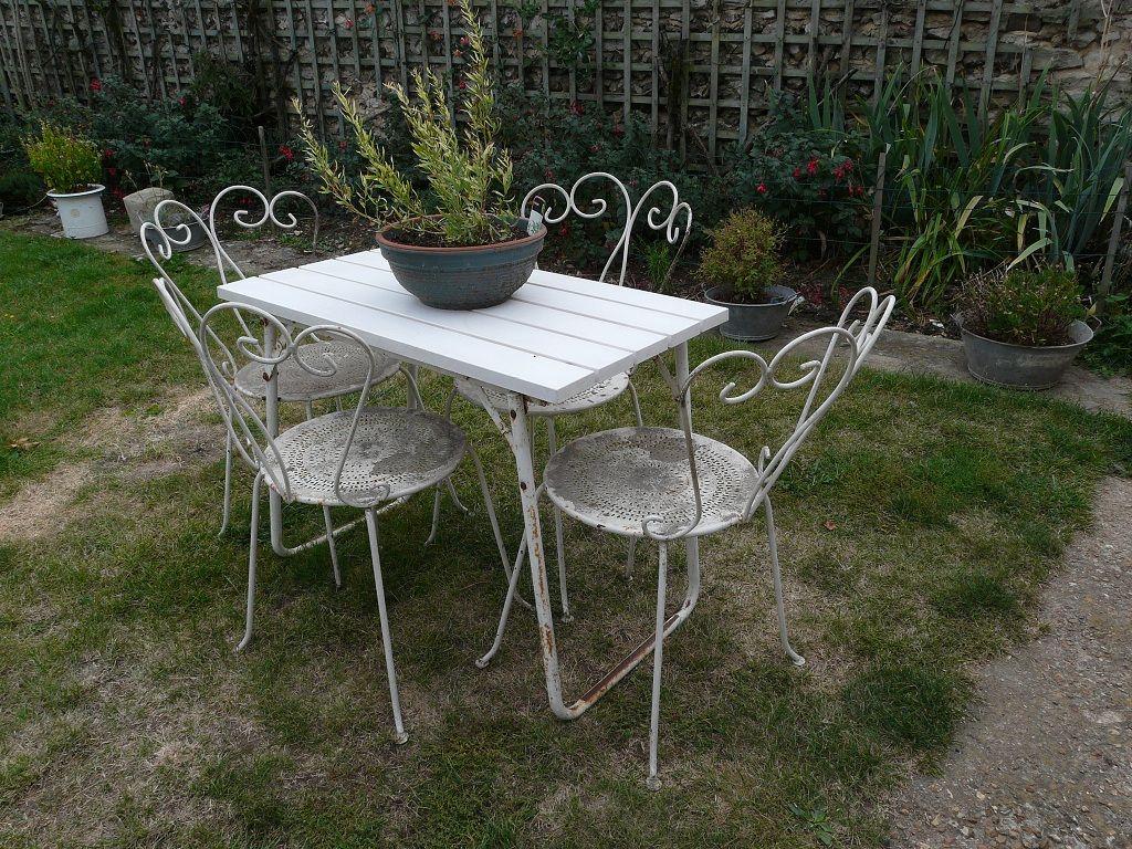 Petite Table De Jardin En Fer   Table De Jardin Plastique Vert ...