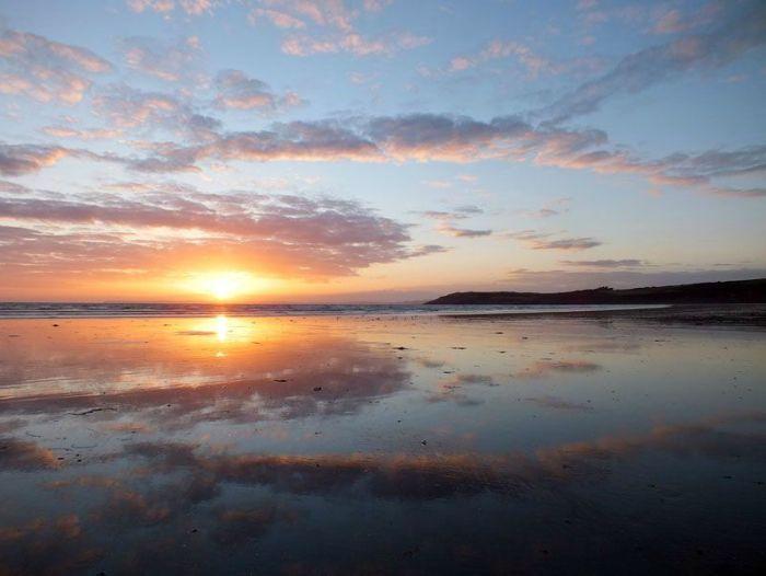 plage-sainte-anne-la-palud-finistere-baie-douarnenez-bretagne-atlantique-vagues-pipit-char-a-voile-coucher-soleil-mouettes (9)