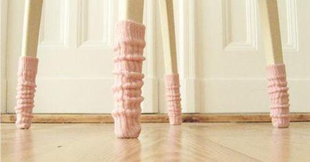 Des chaussettes pour tables et chaises  Une very stylish