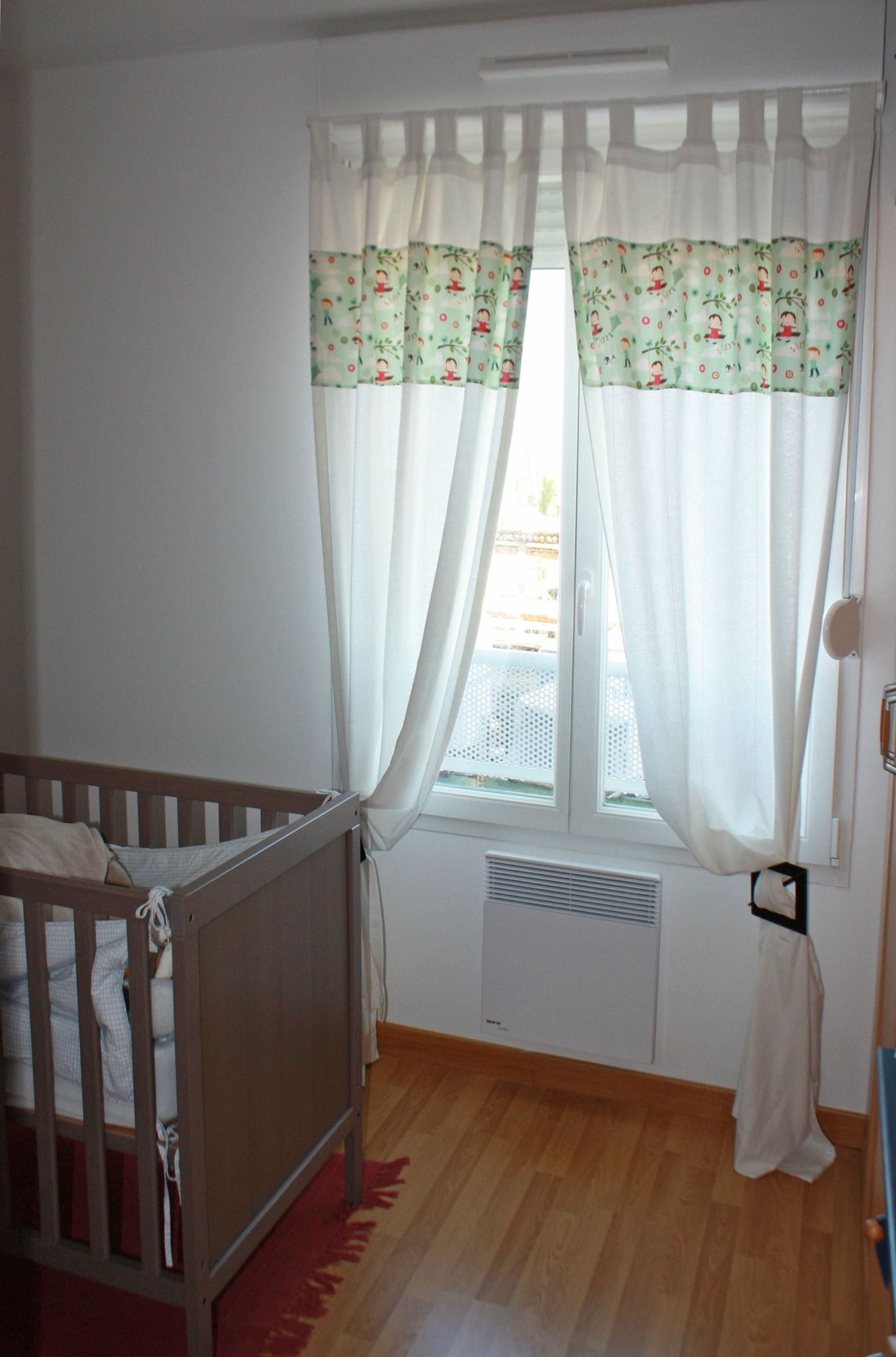 La chambre du Chaton  les rideaux  Les chiffonneries du chat