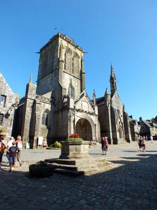 locronan-bretagne-finistere-touristique-boutiques-specialité-bretonnes-authentique-village-de-caractere-chocolatier-hortensias-chouans-monuments-historiques (11)