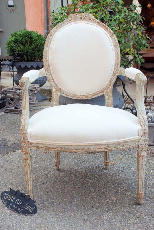magnifique fauteuil style louis 16