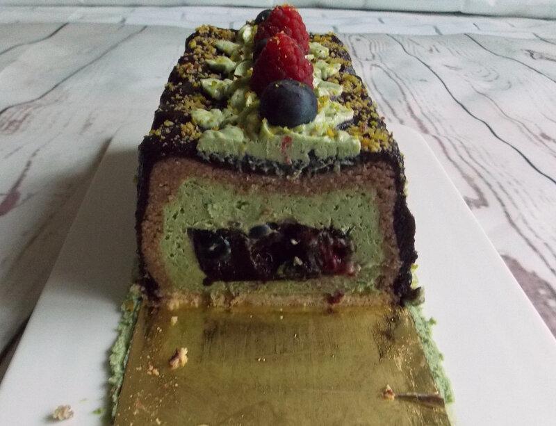 buche-pistache-myrtilles-framboises3