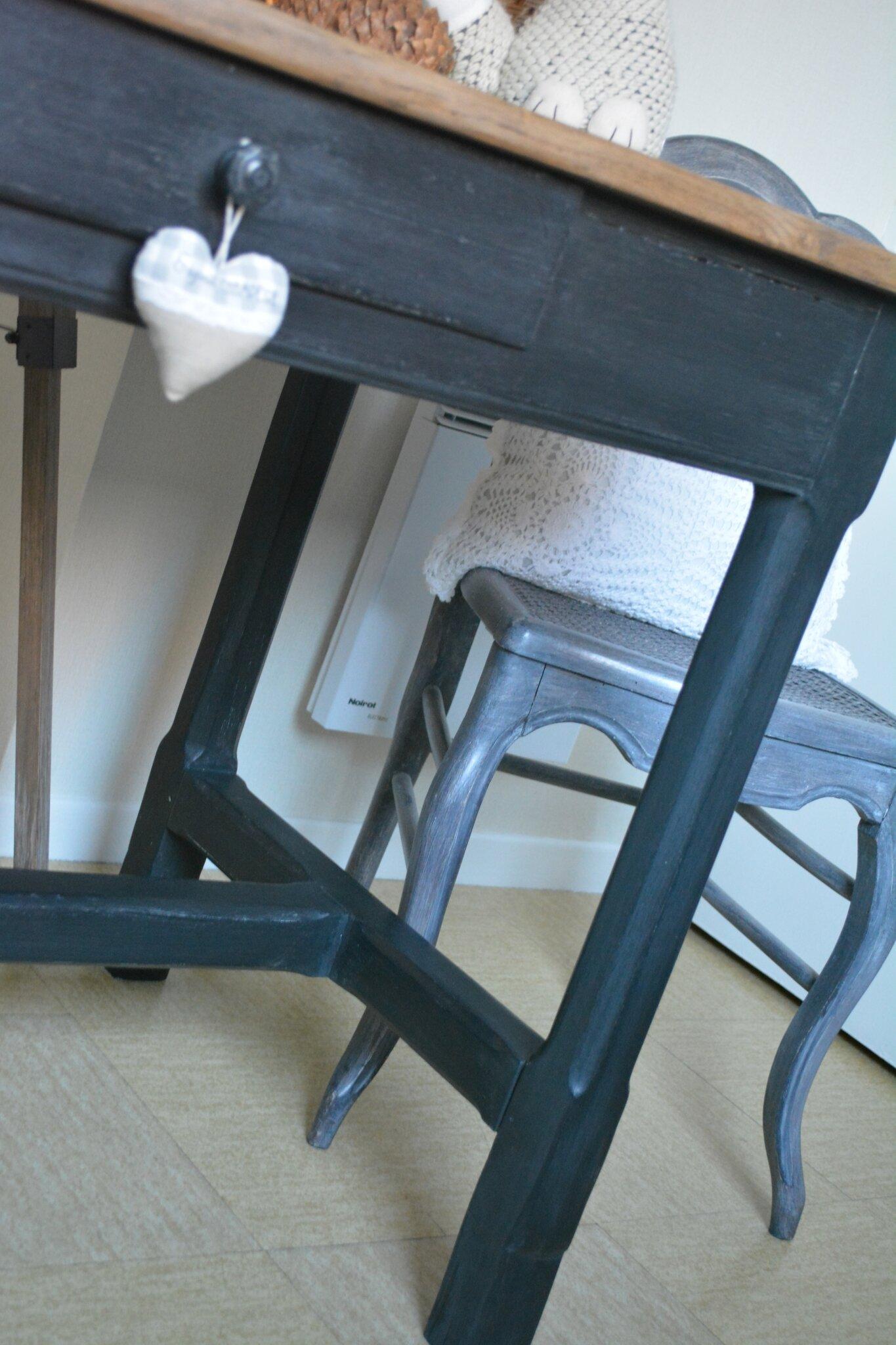 Table ancienne relooke noire  Les Patines dAgathe  le Bois dautrefois