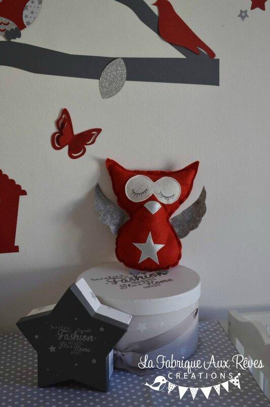 Dcoration chambre enfant bb rouge gris blanc argent hibou chouette papillons et toiles