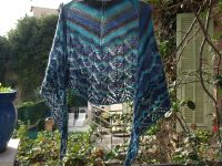 Travelling woman.... - Yes we shawl