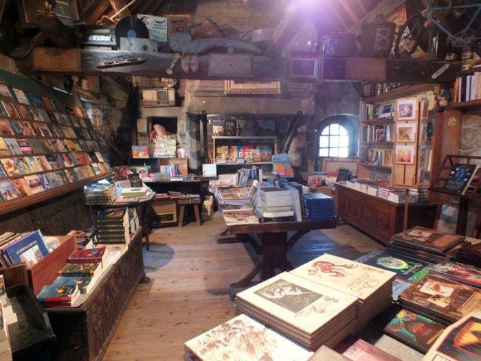 locronan-bretagne-finistere-touristique-boutiques-specialité-bretonnes-authentique-village-de-caractere-chocolatier-hortensias-chouans-monuments-historiques (17)