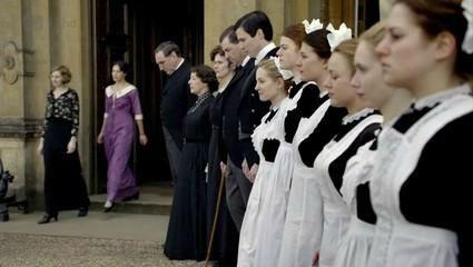 downton abbey saison 1 chez mrs figg chats scones et livres a volonte