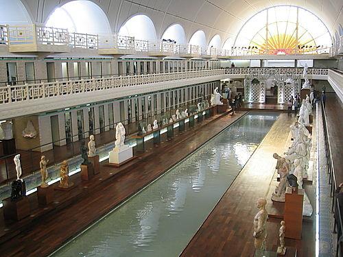 La piscine muse de Roubaix  Entre les colonnes