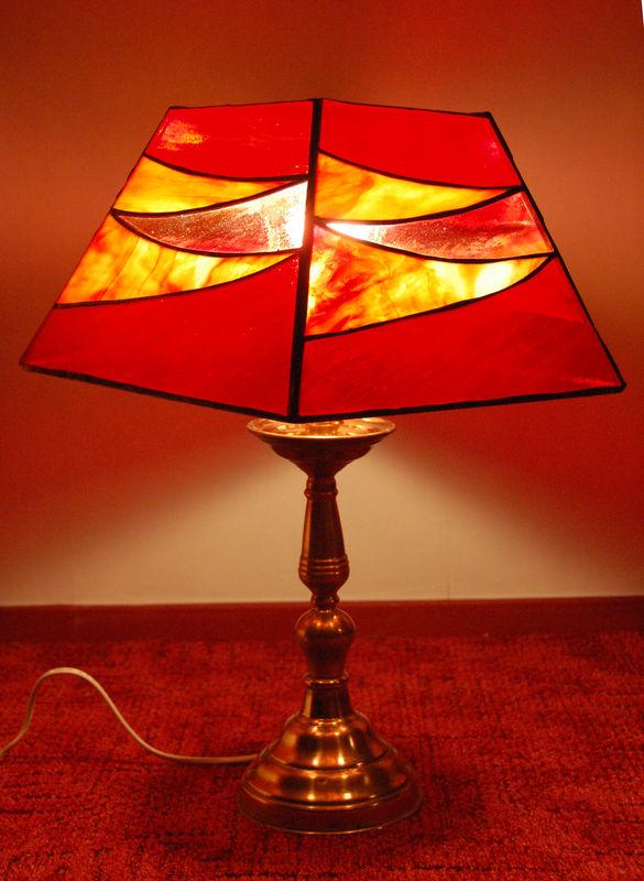 Lampe Rouge 150 Euros Photo De Lampes Contemporaines