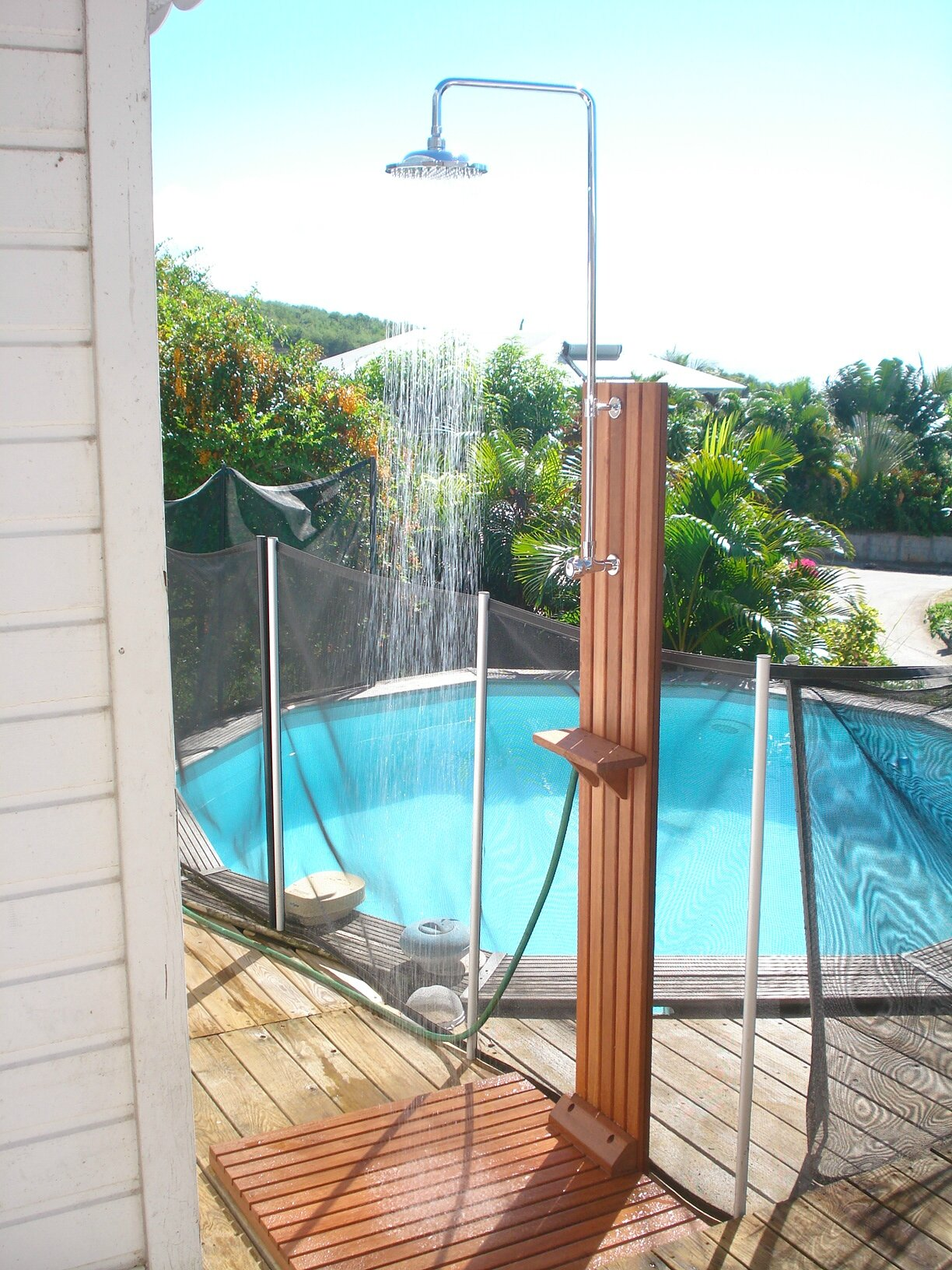 Douche piscine