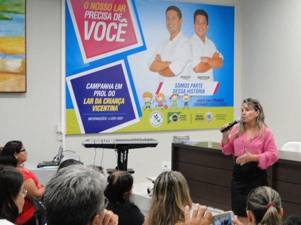 Primeira-dama e secretária da SEDES reconhece importância do LCV para Paulo Afonso.