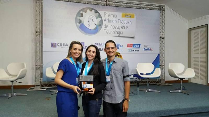 Os estudantes Michelle Melo Cavalcante e João Lucas de Souza Silva tiveram a orientação da Profª Danielle Bandeira de Mello Delgado.