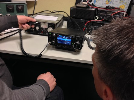 Demo-ing ICOM IC-7300 at the club