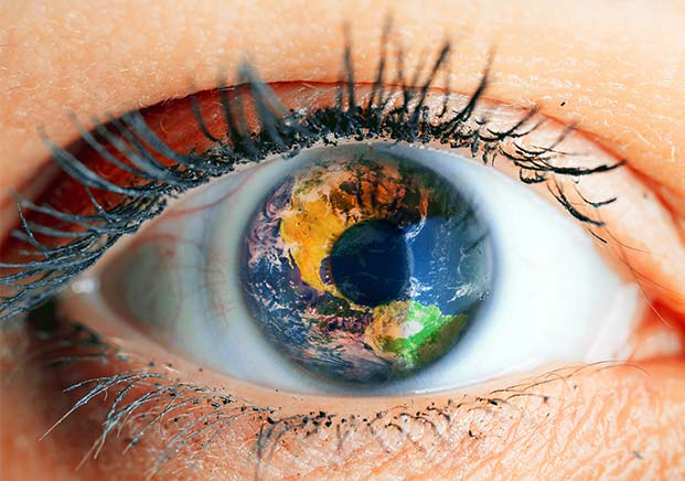 eye with planet