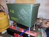 Ammo box wood stove har nu fået ben.