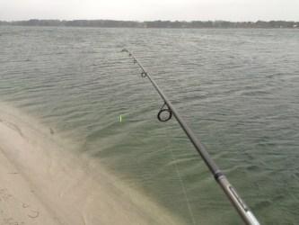Fiskeri på dybt vand ( + 10 meter allerede få meter ude)