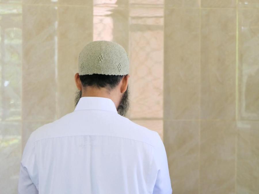Shalat Tahiyatul Masjid Salah satu bentuk Adab di dalam Masjid sesuai sunnah nabi