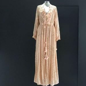 vestido largo con dorados