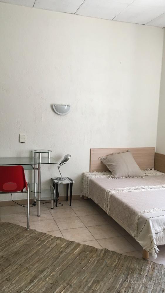 Grande chambre dans la résidence étudiante de la prépa médecine paces+ Nice