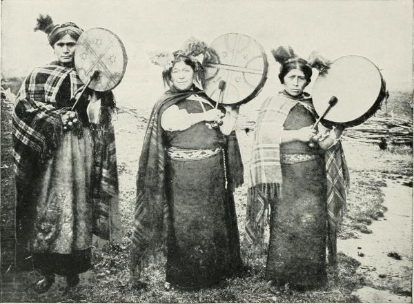 Les Machis, femmes dirigeantes spirituelles Mapuches