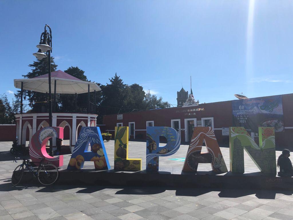 Calpan, Puebla es el lugar de donde salen los ingredientes para uno de los platillos más peculiares de la gastronomía mexicana: los chiles en nogada.