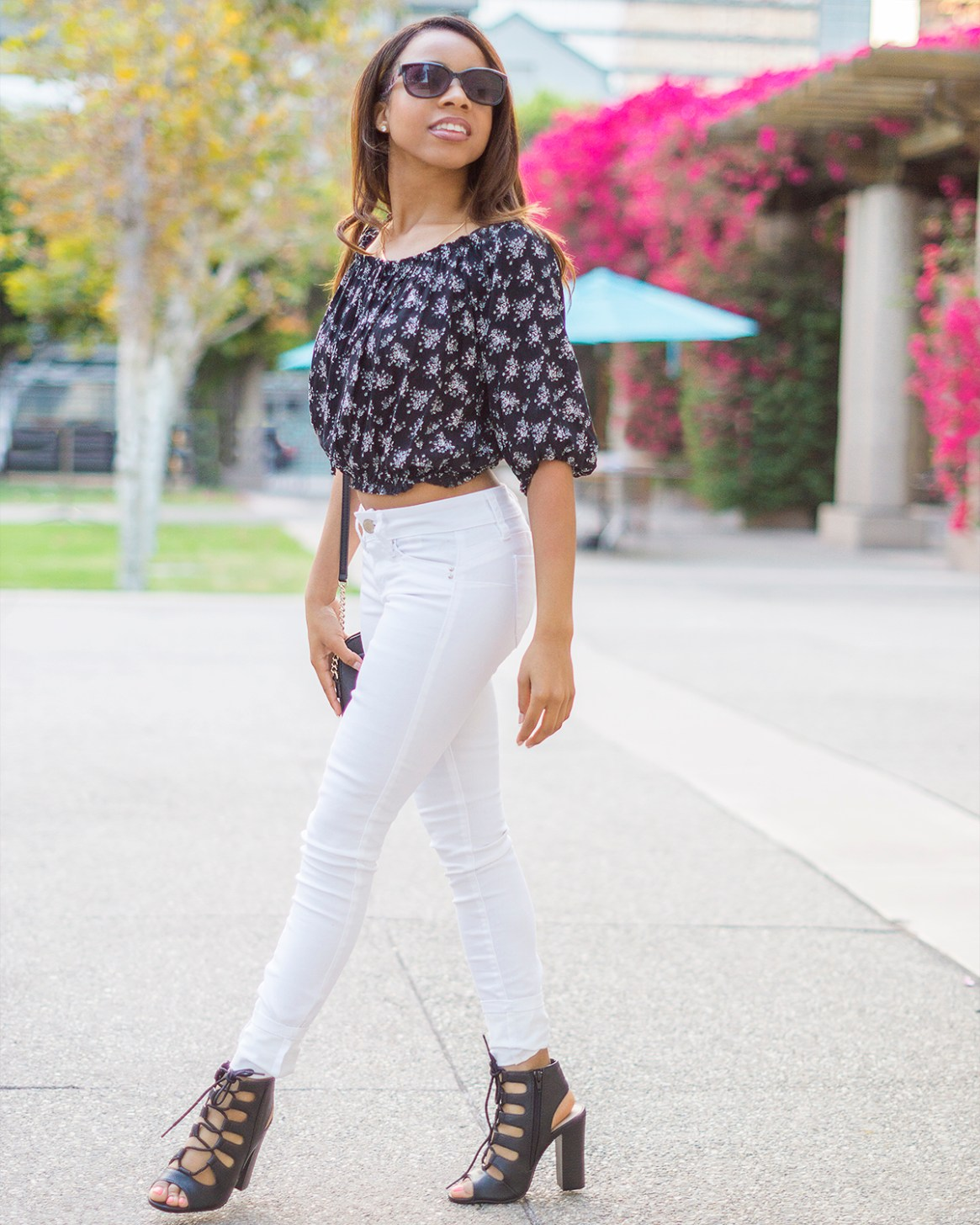 Black And White Floral Crop Top And White Jean Pants Pacificpetite