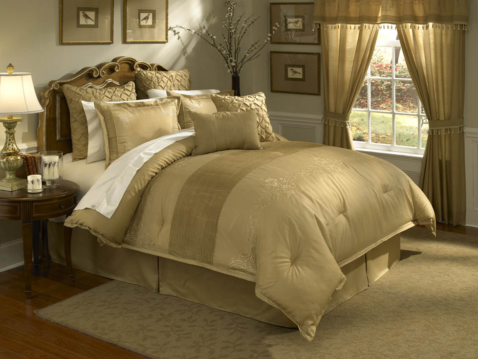 Lantana, 4-PC Queen Comforter Set (Gold