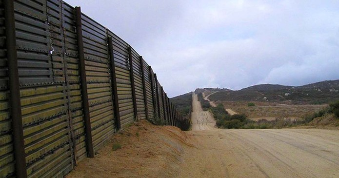 Survey of Texans in Congress Finds Little Support For Full Border Wall