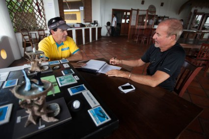 Greg Kaufman meets with Ed Capmany, owner of Whale Watch Guatemala to discuss challenges and future direction of whalewatcing in Guatemala.