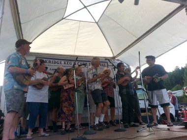 Group of 'ukulele players from Portland led by Richard Colombo. Craig and myself joined the group for a sing along of Three Little Birds