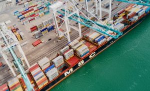 How to Pick a Container Loading and Container Shipping Company