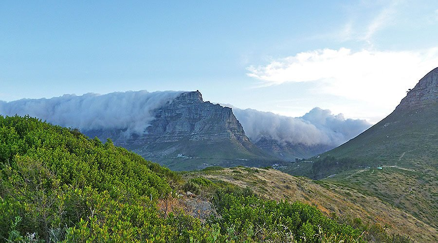 Table mountain wearing his Table Cloth