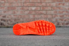 Nike Air Max 90 Ultra BR Total Crimson web crop heel