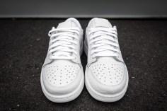 Air Jordan 1 Low No Swoosh white-white-4