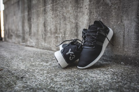 y-3-yohji-run-core-black-white-15
