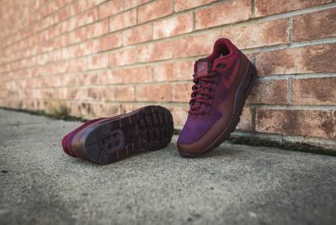 nike-air-max-1-ultra-flyknit-grand-purple-team-red-856958-566-14