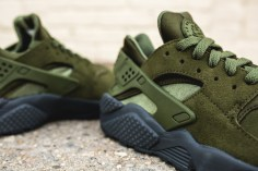 nike-air-huarache-run-se-852628-301-7