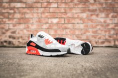 nike-air-max-90-ultra-2-0-flyknit-875943-100-10