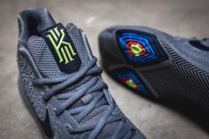 Nike Kyrie 3 852395 001-9