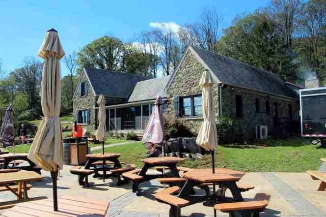Dirt Farm Brewing | Blue Ridge Mountains | Old Hunting Lodge
