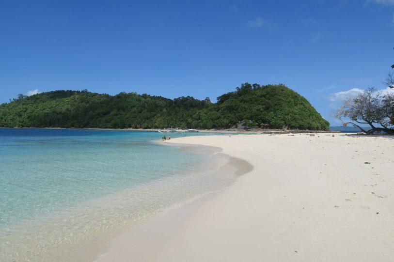 White sand beach in Port Barton