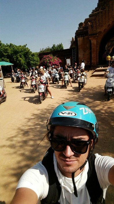 E-bike tour of pagodas