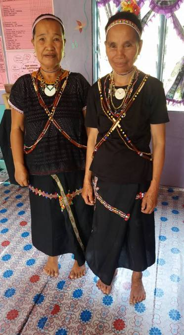 The elders in their traditional Rungus attire.