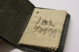abel-morralls-leather-needle-case-with-motif-3