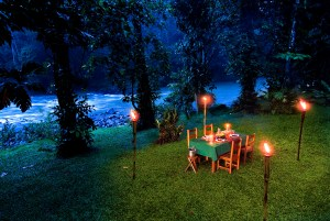 Romantic private dinner by Pacuare River