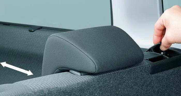 新型デリカD2内装後部座席