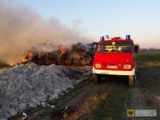 19 marca 2015 r. Pożar sterty słomy między Paczkowem a Kozielnem