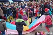 Występ dzieci podczas sobotniego Jarmarku Wielkanocnego